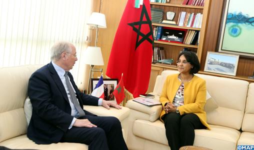 La Secrétaire d'État auprès du Ministre des Affaires étrangères et de la Coopération internationale, Mme Mounia Boucetta, s'entretient, mardi (18/09/018) à Rabat avec une délégation du Sénat français