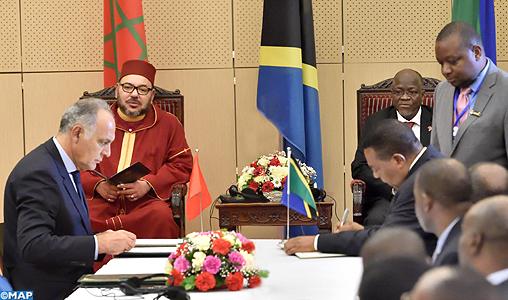 sm-le-roi-president-tanzanien-signature-conventions-m