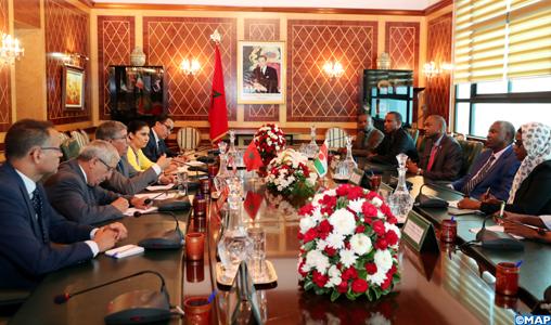 Le Secrétaire de la Chambre des Conseillers, M. Ahmed Touizi s'entretient, mercredi (12/09/2018) à Rabat, avec le le Ministre chargé des relations avec les institutions au Niger, M. Barkaï Issouf