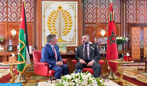 Sa Majesté le Roi Mohammed VI, que Dieu L'assiste, a eu, jeudi (23/03/17) au Cabinet Royal à Rabat, des entretiens en tête-à-tête avec le Souverain Hachémite de Jordanie, SM le Roi Abdallah II Ibn Al Hussein. Ces entretiens interviennent à l'occasion de la visite officielle qu'effectue SM le Roi Abdallah II de Jordanie au Maroc.
