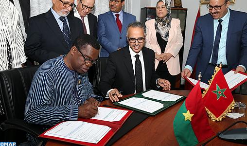 Signature - convention - Conseil region Rabat - Conseil région des HAUTS BASSINS -M