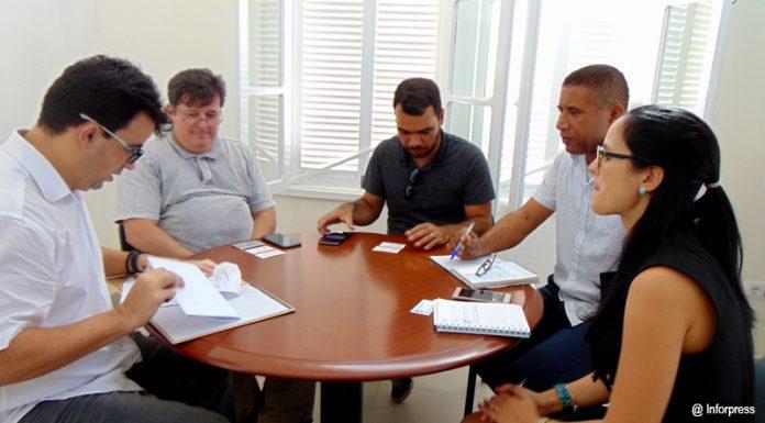 Visita-investigadores-brasileiros-à-UniCv-02-696x385